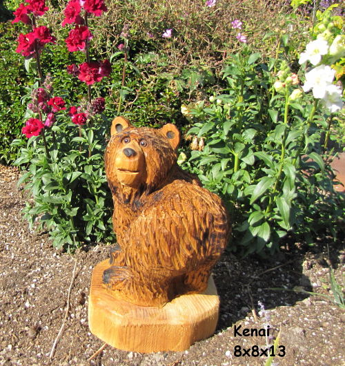 Chainsaw carving bear kenai chain saw