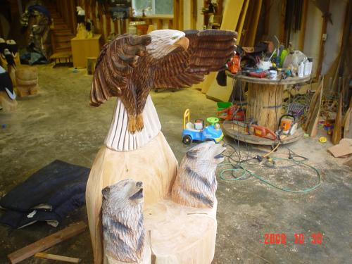 Soaring Eagle Wolf Throne Chainsaw Carving Sculpture