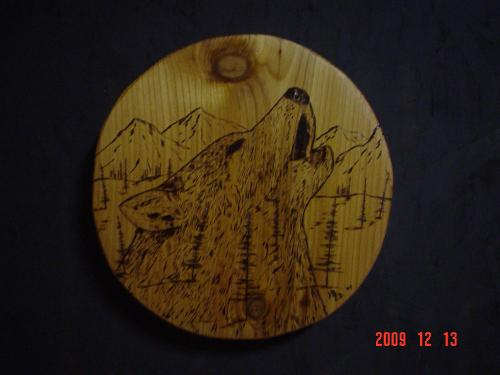Howling Wolf Chainsaw Carving