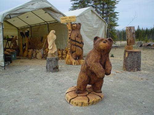 Peeking Bear Chainsaw Carving