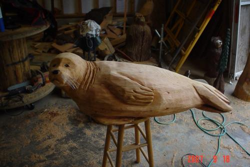 Seal chainsaw carving chain saw sculpture