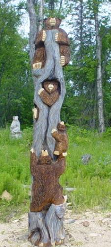Bear Family Climbing Tree Chainsaw Carving