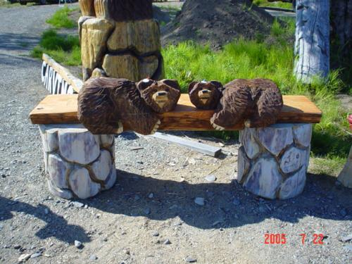 Bear Bench Chainsaw Carving