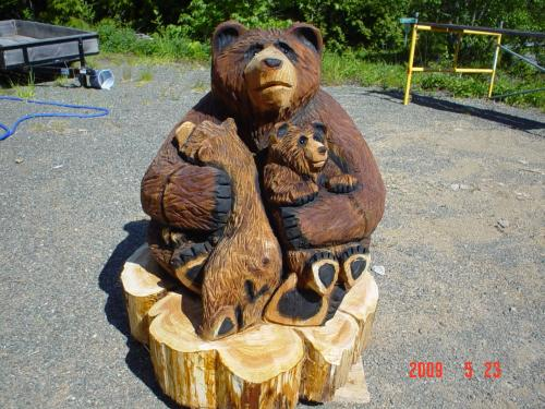 Mama Bear with Cubs Chainsaw Carving