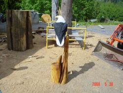 Single eagle tree chainsaw carving art sculpture