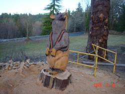 Rat chainsaw carving wood sculpture
