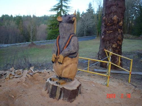 Rats Chain Saw Carving Sculpture