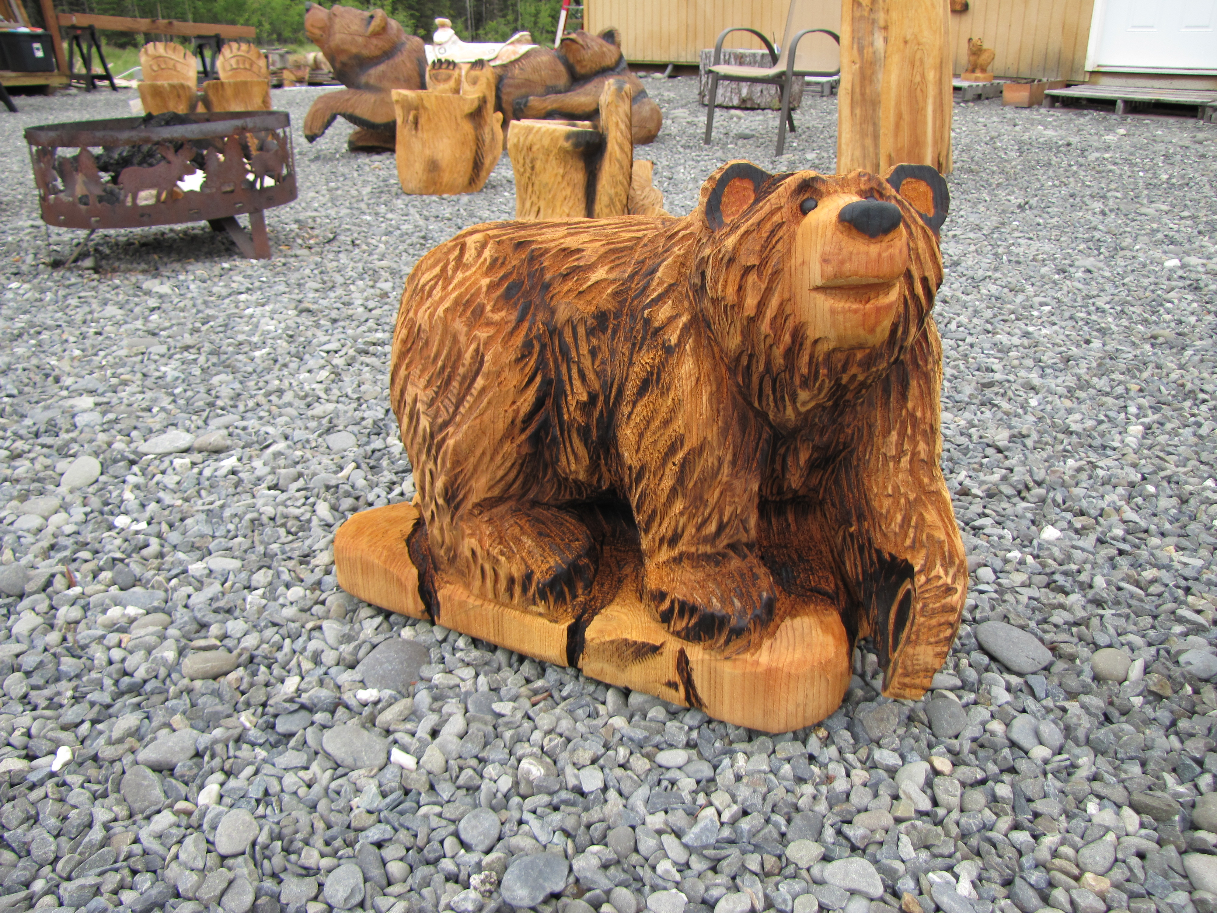 Bears chainsaw carving chain saw sculpture